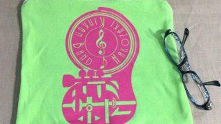 古Tシャツロゴを活かしたミニポーチ!リメイクが楽しい!