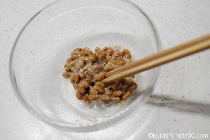 納豆を混ぜる