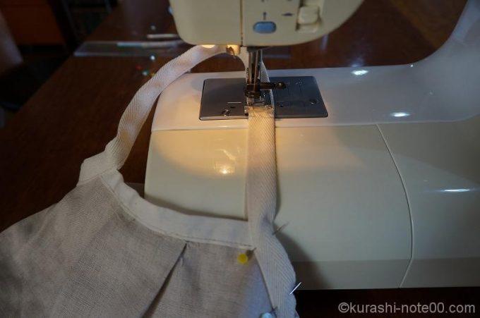 手でもつところも縫う