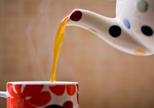 お茶を入れる