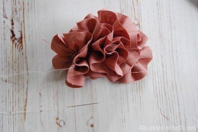糸を縛ると花のかたち