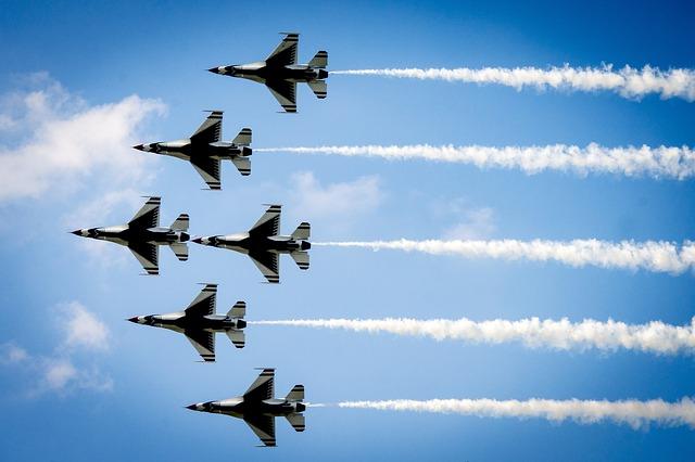 飛行機の轟音