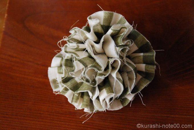 Wガーゼで作った布ブローチ