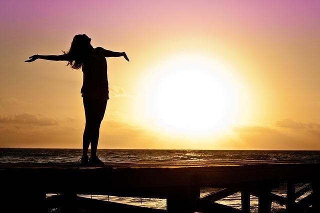 太陽に向かって深呼吸