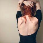 つらい肩こりは「肩甲骨はがし」で解消!怖いネーミングだけど効果大!