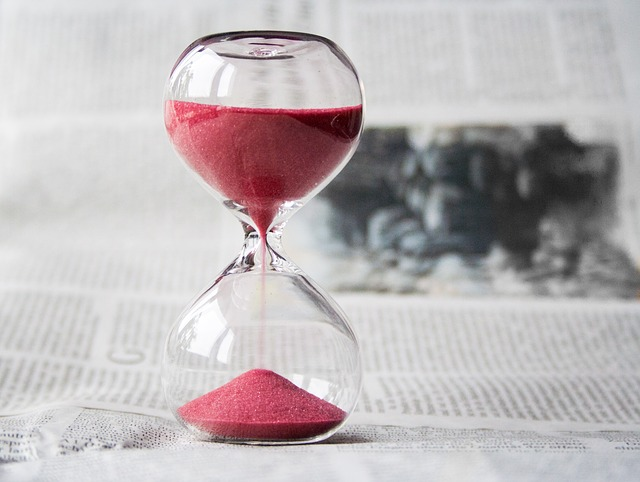 砂時計時間を計るイメージ