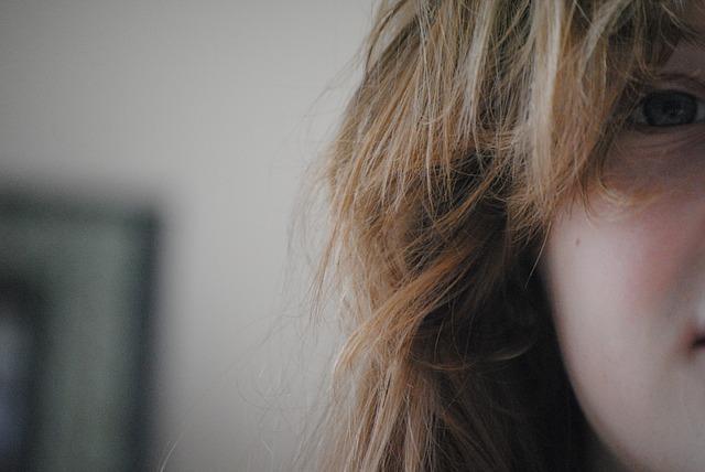 パサつきのある髪