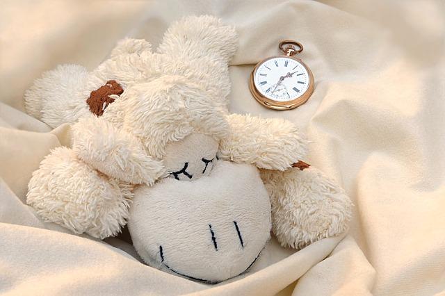 日中の睡魔は睡眠時間ではなく睡眠のしかたに影響していた!