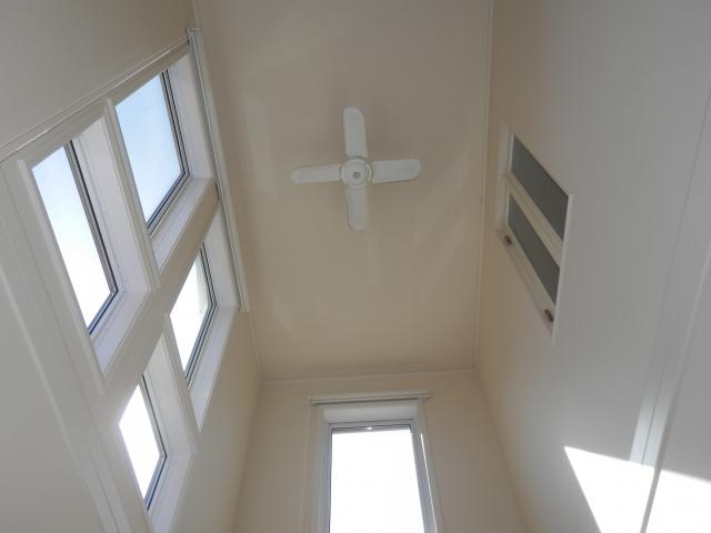 天井に取り付けたファン