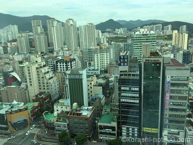 高層ビルが立ち並ぶ釜山