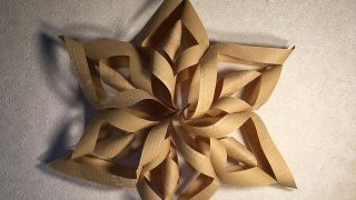 A4コピー用紙や折り紙でつくる紙のお星さまオーナメントの作り方