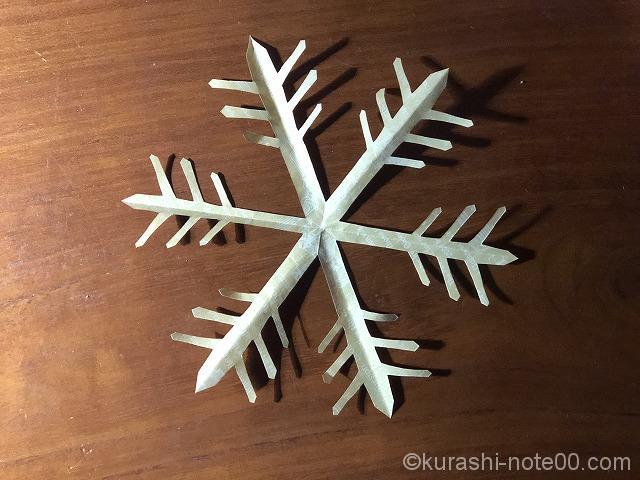 雪の結晶のオブジェ