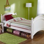 ベッド下の収納アイデア。デッドスペースをどう活かす?