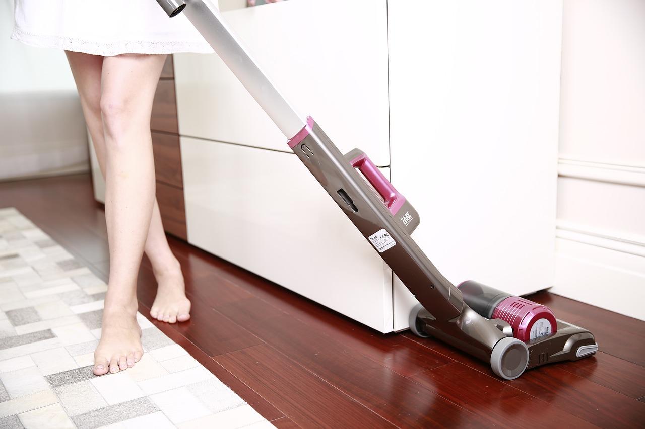 スティック型掃除機おしゃれ商品ラインナップ。買う前に押さえておきたいポイント