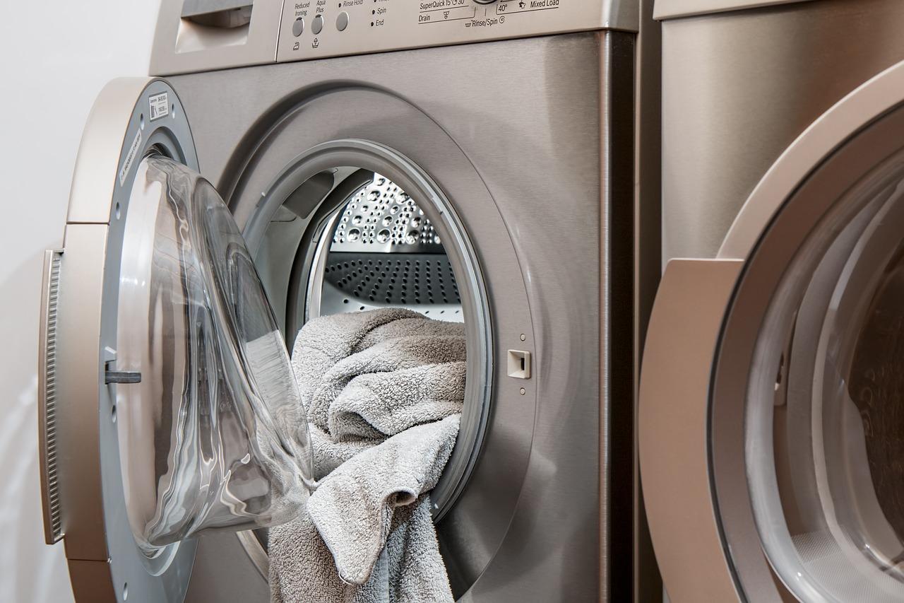 冬物羽根布団を一気に洗濯、すっきり収納。コインランドリーが便利な件