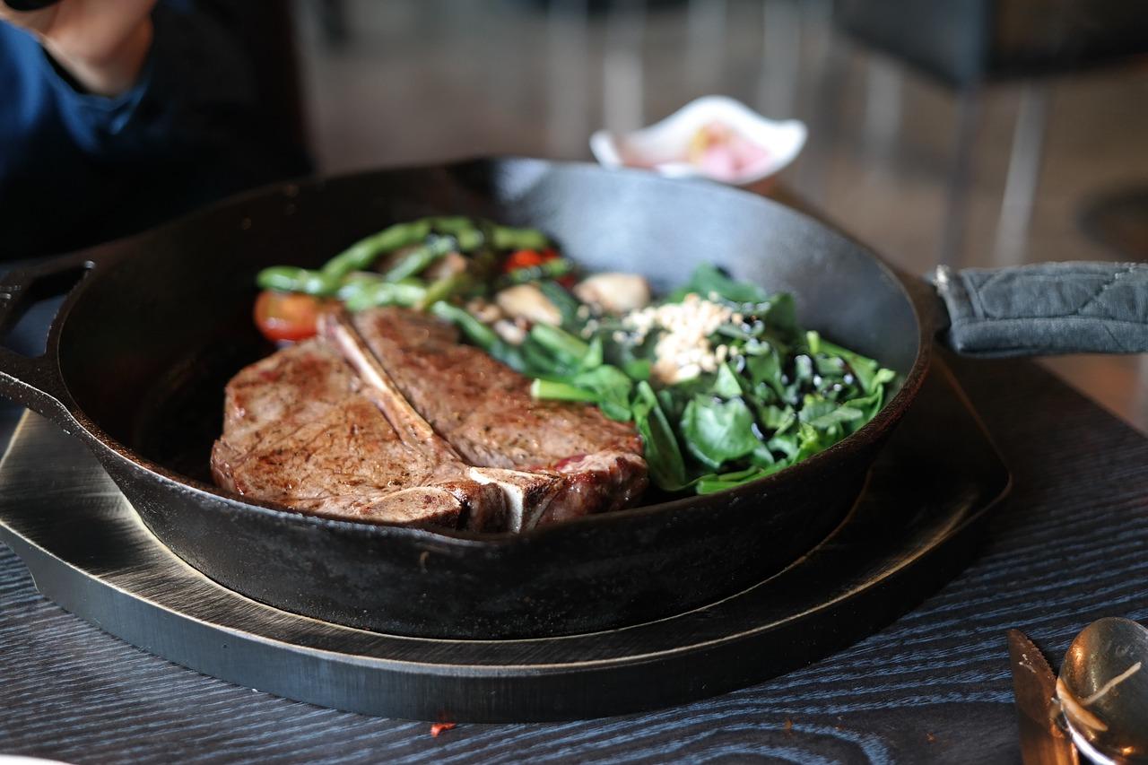 いまさら聞けないステーキの焼き方とシェフっぽく決める裏技