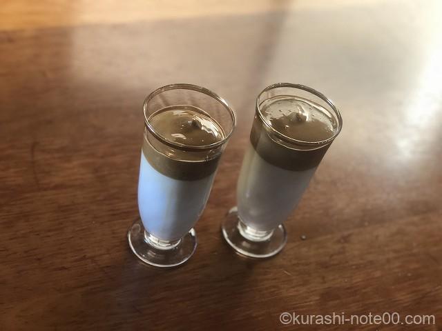 2杯のダルゴナコーヒー