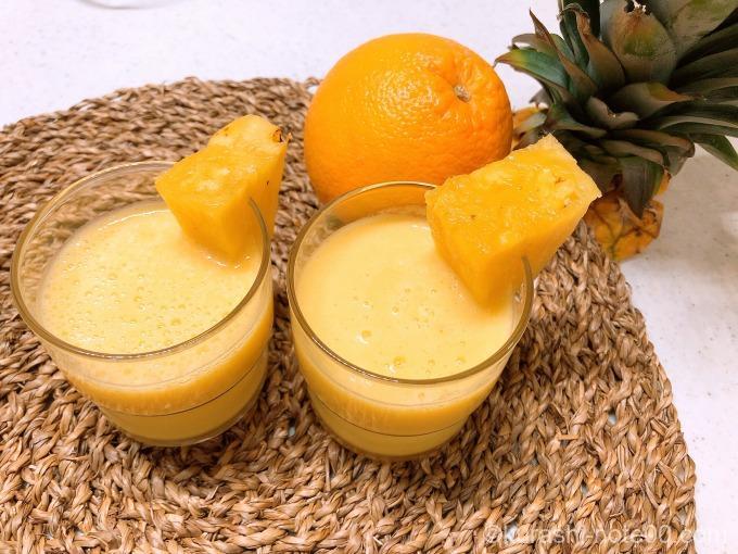 パイナップルとオレンジのジュース