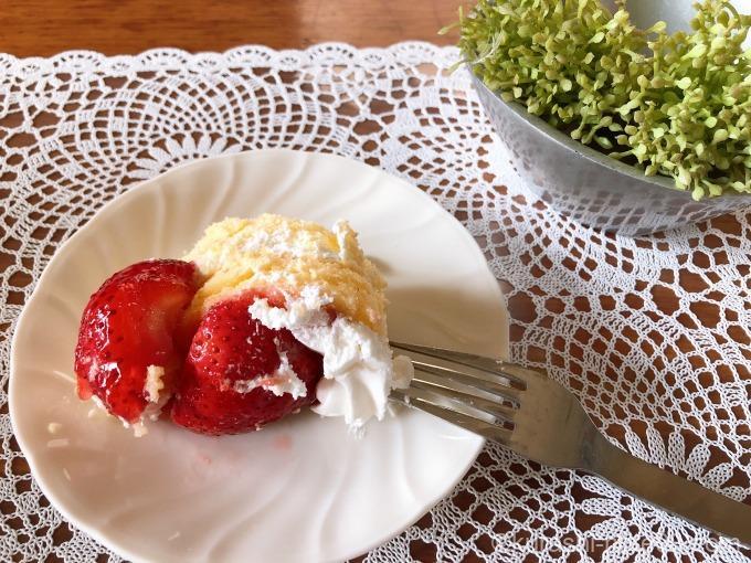 ストロベリースコップケーキ