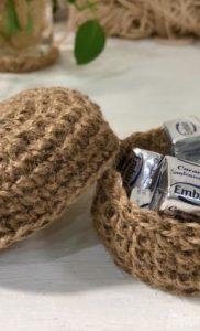麻ひもの小物入れ|編み方を1部変えるだけでフタと本体ができた話