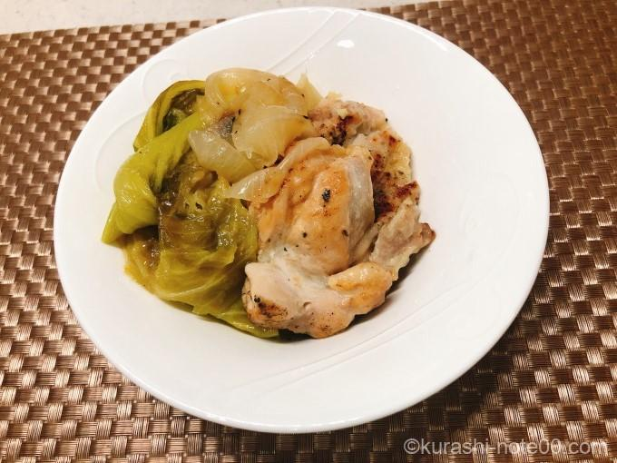 キャベツと鶏肉の蒸し煮