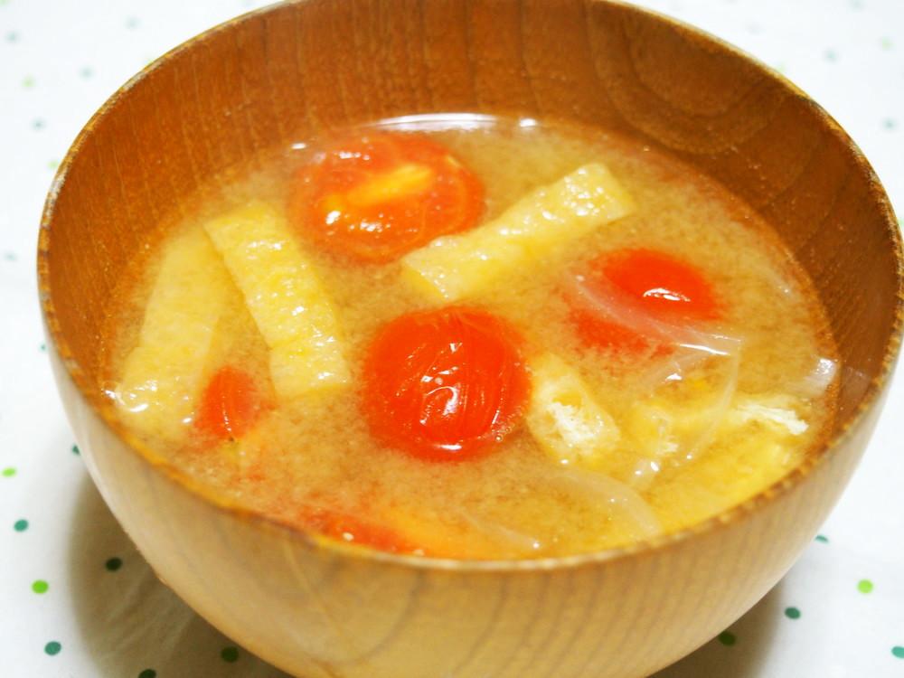 プチトマトの味噌汁
