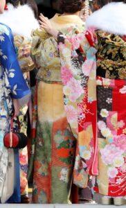 成人式の振袖は購入かレンタルどっち?京都きもの友禅に決めたメリット・デメリットを暴露