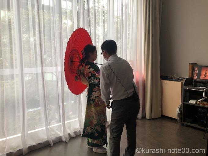 傘を持って撮影