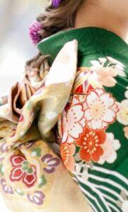 京都きもの友禅【福岡・天神店】で振袖を購入した口コミ感想|友の会の勧誘はあるか?